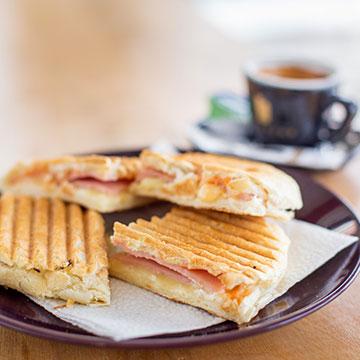 Does Saint James Hotel offer free breakfast?